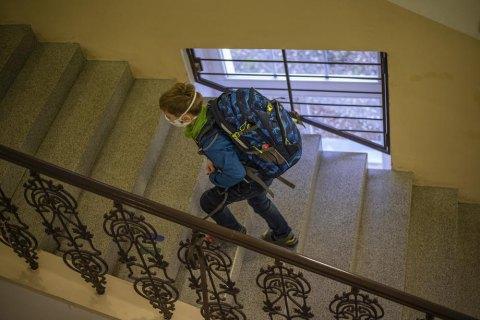 Держкомісія ТЕБ та НС запропонувала почати осінні канікули в школах на тиждень раніше