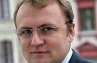 Не стоит устанавливать человеку памятник при жизни, - мэр Львова