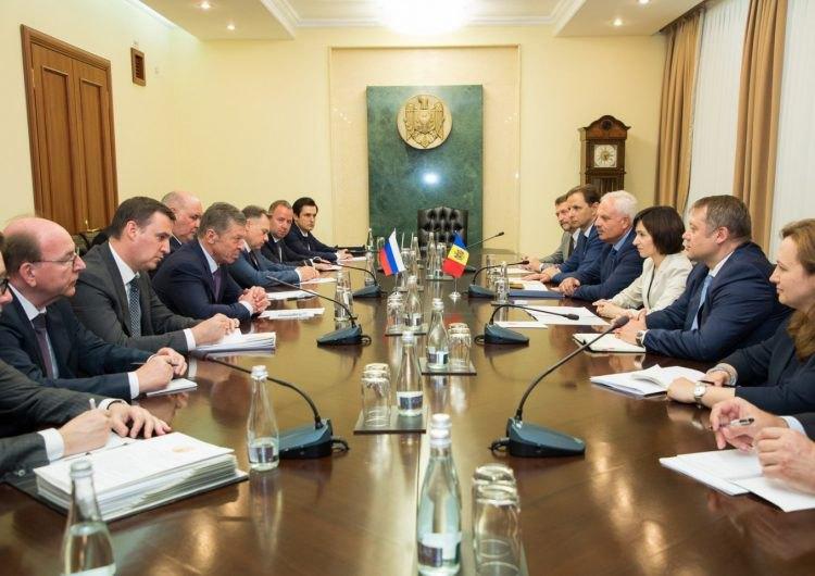 Вице-премьер России, спецпредставитель президента по отношениям с Молдовой Дмитрий Козак встретился с премьер-министром Майей Санду во время его визита в Молдову, , 24 июня 2019