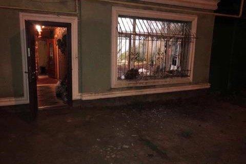 В Одессе в окно жилого дома бросили гранату