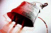 Суд зобов'язав МОЗ і Київський центр крові виплатити 1 млн за зараження дитини ВІЛ