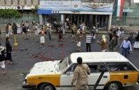 При взрыве заминированного авто в Йемене погибли пятеро военных