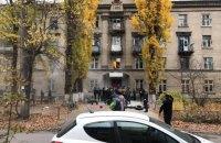 В Киеве задержали людей, которые пытались выселить жителей общежития