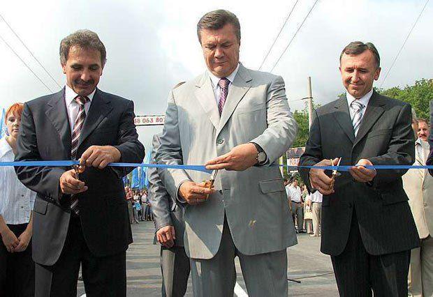 Слева - Анатолий Гриценко