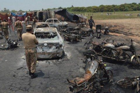 В Пакистане смертник подорвался на рынке во время полицейского рейда