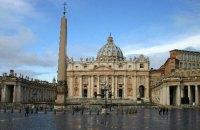 Колишнього ватиканського нунція засудили до 5 років тюрми за розповсюдження дитячого порно