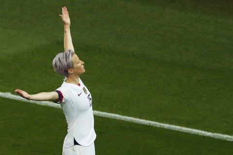 Футболистка, которой жестко ответил Трамп, сделала дубль и вывела cборную США в полуфинал женского ЧМ-2019