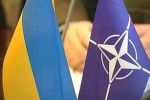 Литвин зустрівся з президентом ПА НАТО