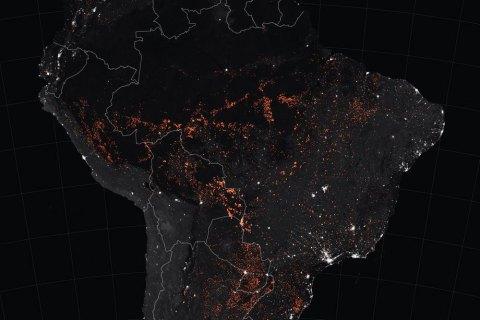 Бразилія відмовилася від 18 млн євро від G7 для гасіння пожеж