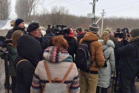 Местные жители сорвали брифинг Садового на свалке в Грибовичах