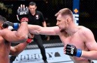 Двух тяжелоатлетов UFC после боя поместили в одну больничную палату