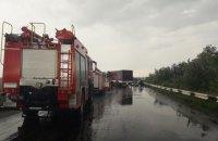 Под Черновцами столкнулись семь грузовиков и две легковушки