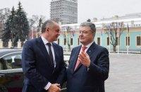 Порошенко і президент Словаччини обговорили питання працевлаштування українців за кордоном