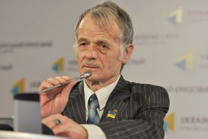 Джемілєв: Росія розраховує на радянську політику стосовно кримських татар