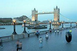 В Англии предложили строить неудобные для самоубийц здания и мосты