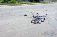"""В Мирнограде """"Мерседес"""" насмерть сбил 10-летнего мальчика на велосипеде"""