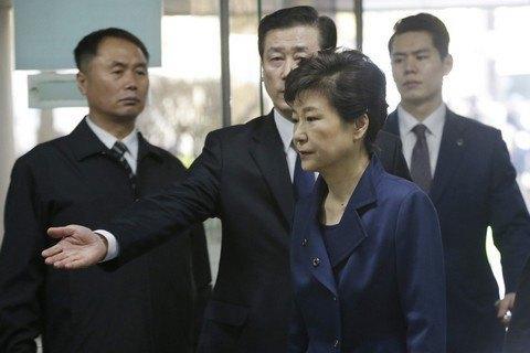 """Результат пошуку зображень за запитом """"Екс-президента Південної Кореї засудили до 24 років в'язниці"""""""