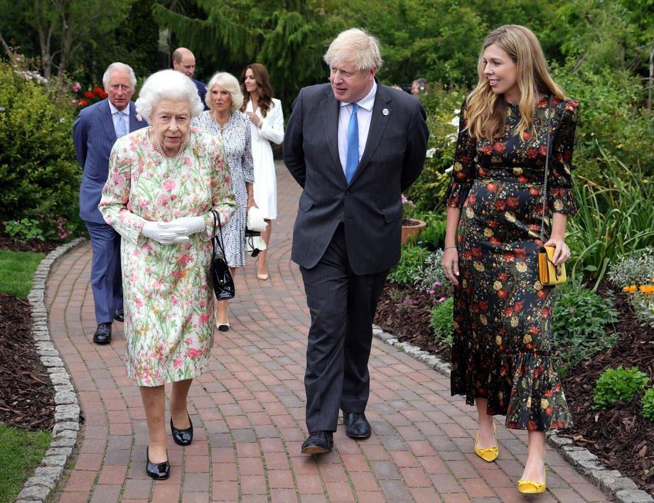"""Королева на открытии саммита """"Большой семерки"""""""