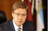 Суд запретил мэру Риги общаться в соцсетях на иностранных языках