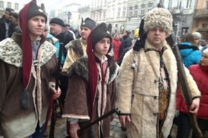 Во Львове 2 тыс. человек спели гимн Украины