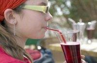 У європейських школах перестануть продавати напої з цукром