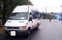 На Прикарпатті рейсовий автобус зіткнувся з фурою, загинула жінка