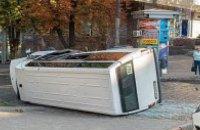 У центрі Дніпра п'яний водій Hyundai влетів у маршрутку з пасажирами