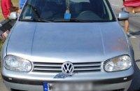 В Херсоне во время обыска подозреваемый сел в машину и протащил полицейского на капоте около полукилометра