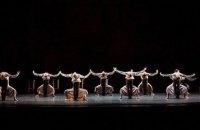"""Дихання в безповітряному просторі: про прем'єру """"Симфонії псалмів"""" у Віденській опері"""