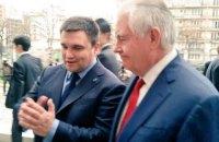 Климкин встретился с Тиллерсоном во Франции