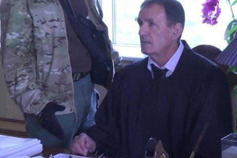 Судья Чернушенко рассказал, что при обыске дома у него забрали сейф