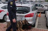 Поліція шукала вибухівку на харківському вокзалі і в аеропорту