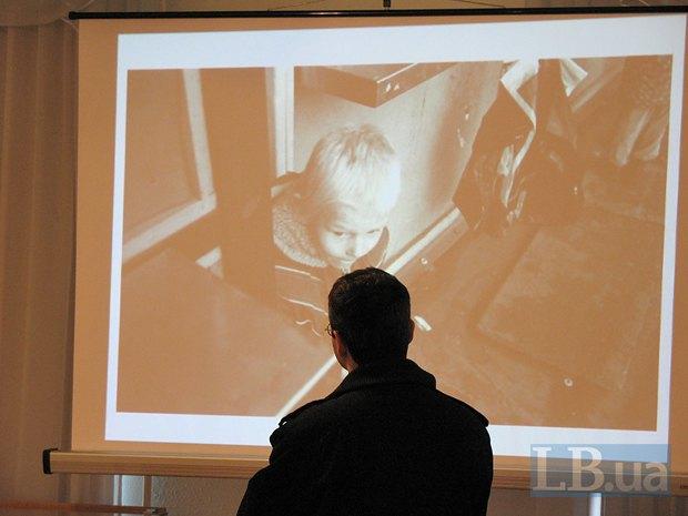 На открытии выставки посетителям предлагали ознакомиться с другими проектами Александра Гляделова