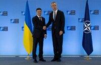 Зеленський заявив генсеку НАТО про готовність до переговорів з РФ для досягнення миру