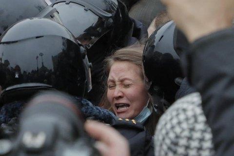 МЗС України засудило насильство проти протестувальників у Росії