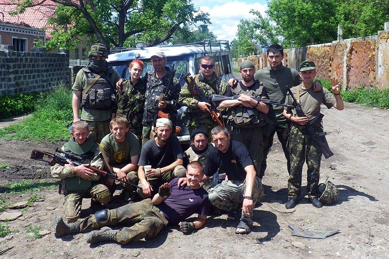 Карпатська Січ готується до ротації на бойових позиціях. Поблизу Донецька, с.Піски, червень 2015 року.