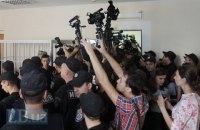 Рада сделала уголовно наказуемым изъятие материалов и техники у журналистов