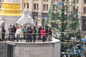 Протестующие готовятся встречать Новый год и Рождество на Евромайдане
