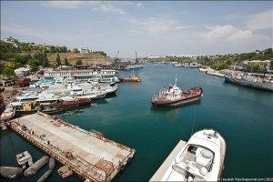 У Севастополі фірма здала на металобрухт два кораблі
