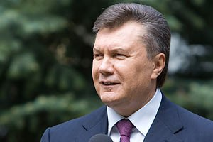 Янукович поздравил металлургов и горняков с праздником