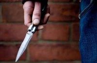 В Киеве с ножом напали на участника ООС: парень в реанимации