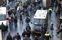 """Понад сотню ультрас """"Ювентуса"""" з ножами і палицями заарештували в Амстердамі"""