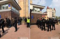В Киеве спецназ полиции задержал вооруженных лиц, которые штурмовали офис частной фирмы