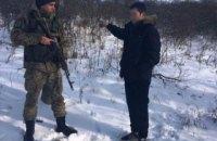 Россиянин с обмороженными руками и ногами незаконно пересек границу и попросил убежища в Украине