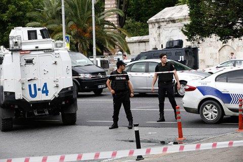 В Турции подорвали автомобиль с военными, есть жертвы