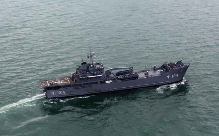 Турецкий десантный корабль Karamürsel