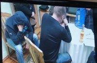 """Директор аэропорта """"Николаев"""" задержан при попытке дать взятку главе ОГА"""