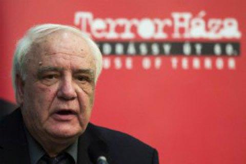 В Британии умер советский диссидент и писатель Буковский