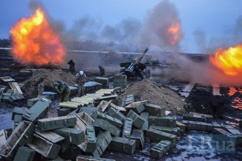 Трое военных погибли, восемь ранены в понедельник на Донбассе