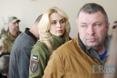 Суд отпустил под домашний арест одну из подозреваемых по делу о закупке бронежилетов